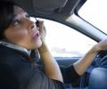 Vorbitul la telefon nu este principalul motiv al accidentelor datorate neatentiei la volan